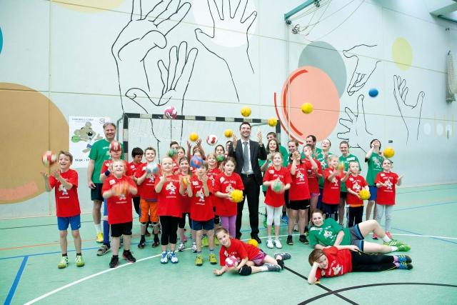 F-HUMMEL sponsert Handball-2-4c-0414x