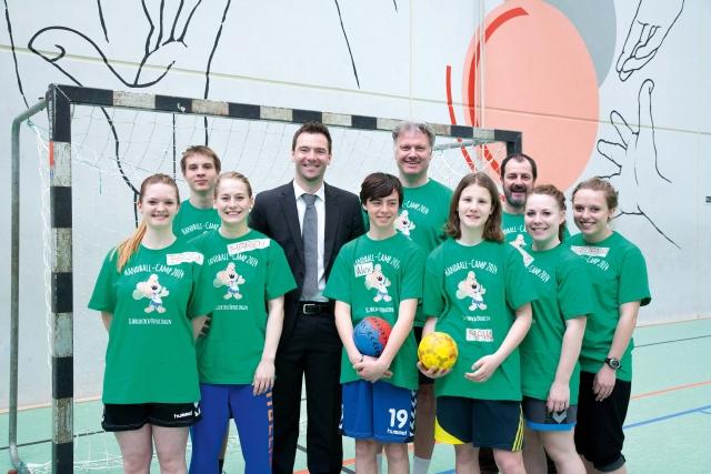 F-HUMMEL sponsert Handball-3-4c-0414x